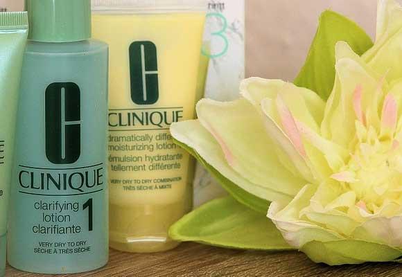 """Aprovecha hoy la """"Shopping night"""" 25% en cosmética y perfumes."""