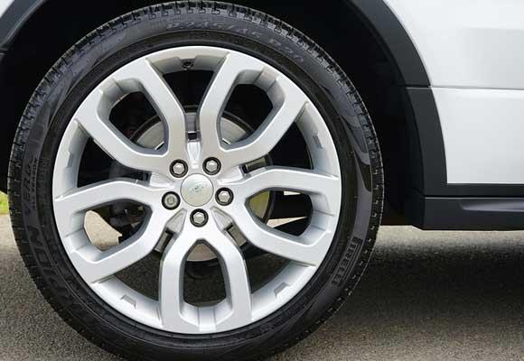 Código descuento para neumáticos de coche y ruedas completas
