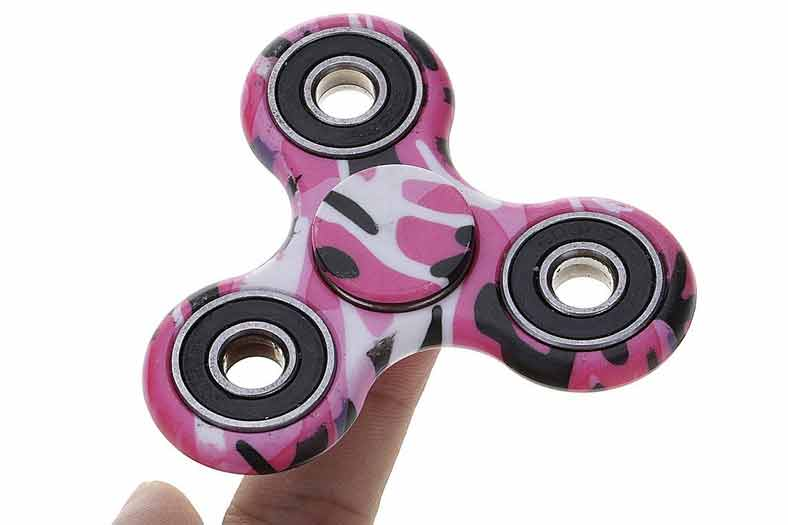 Fidget Spinner, el juguete de moda entre niños y adolescentes