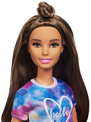 Barbie Fashionista – Muñeca morena con moño y shorts