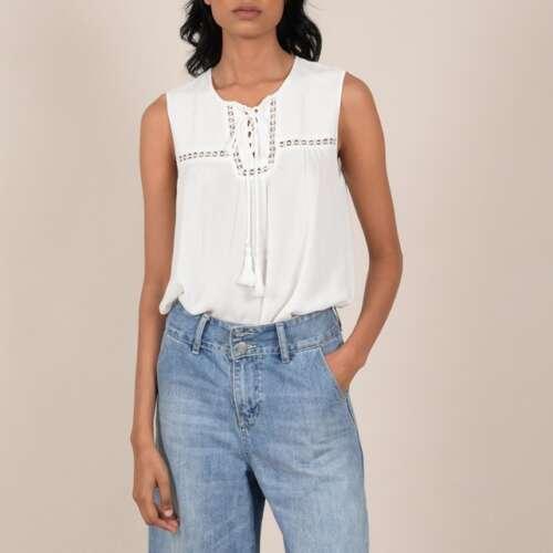 Blusa sin mangas con cuello cerrado mediante cordón con pompón - MOLLY BRACKEN
